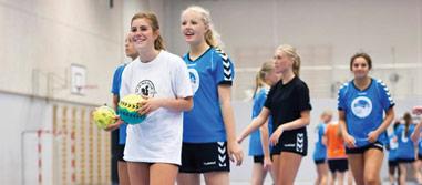Håndboldpiger klar til træning